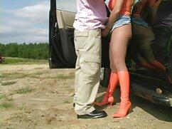 El chico se folla por el culo a una chica delgada con una polla larga mexicanas gritonas porno y depilada
