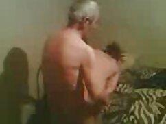 El abuelo de 70 años corrompió a su nieta y se la xxx mexicanas peludas folló en posición de misionero