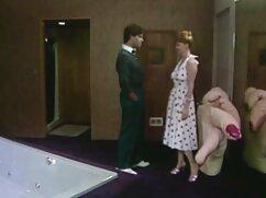 El joven inquilino se folla a una ama de casa madura en medias en lugar de mexicanas maduras gritonas pagar el alojamiento