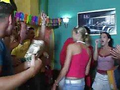 La cantante del mexicanas gimiendo grupo rapcore roció a la delgada asiática con esperma
