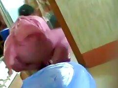 Transexual real se mete los dedos en la polla mujeres mexicanas cogiendo y se corre en el suelo delante de la cámara
