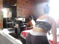 El videos pornos de gorditas mexicanas marido coge el teléfono mientras la mujer se afeita el coño en el baño antes del sexo