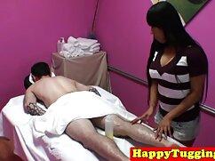Baba está haciendo un masaje de próstata con un hombre mexicanas gritonas cojiendo y se lo pajea al mismo tiempo