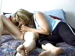 El hombre le metió ver videos xxx caseros mexicanos a su esposa un rabo de goma de medio metro en el coño