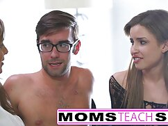 La hermosa esposa Tatyana le hace una mamada a su esposo frente videosxxx mexicanas a una cámara amateur