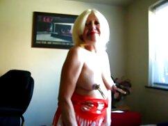 Checa tetona Pinky June se frota el clítoris con las manos en mexicanas maduras calientes la bañera